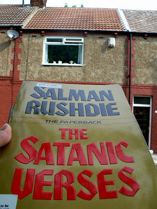 0099 | The Satanic Verses  Salman Rushdie